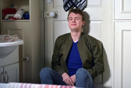 eastenders-johnny-crying
