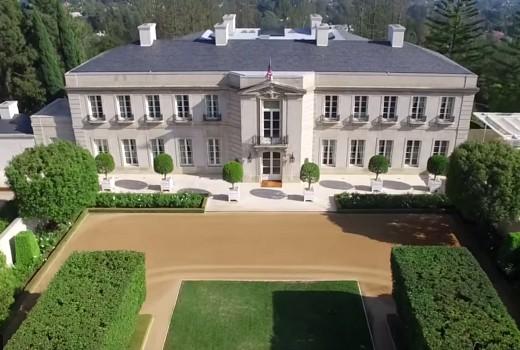 Lachlan Murdoch buys Hillbillies mansion