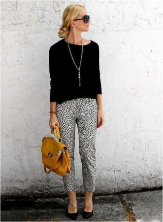 2 patterned pants and blouse casual office outfit source hertrack.com