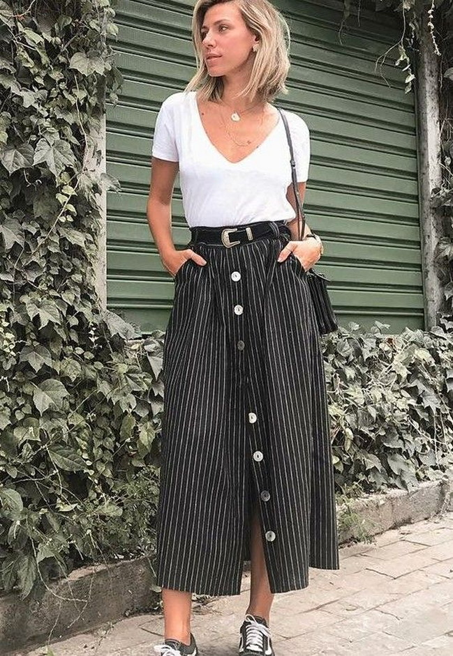 Casual long button skirt for daily outfits