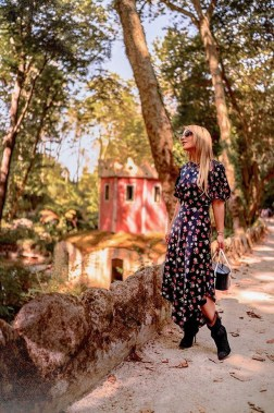How to style and what to look for when shopping for dark florals for fall