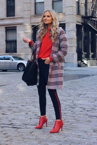 Layered knitwear with color knitwear + booties combo