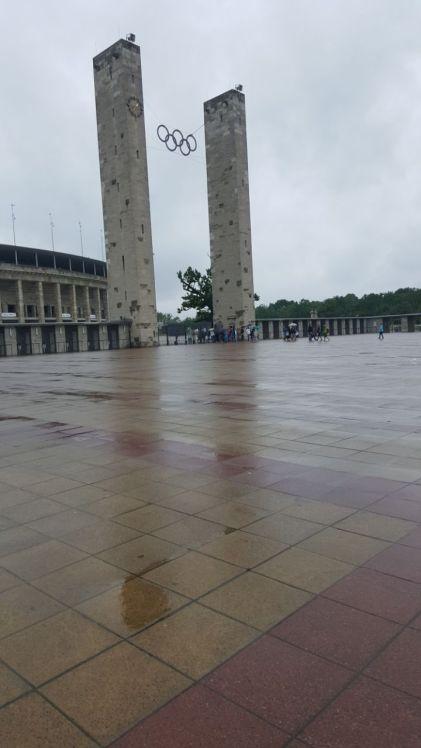 Das Berliner Olympiastadion bei Regen