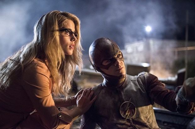 "The Flash -- ""Going Rogue"" -- Pictured (L-R): Emily Bett Rickards as Felicity Smoak and Grant Gustin as The Flash -- Photo: Cate Cameron/The CW"