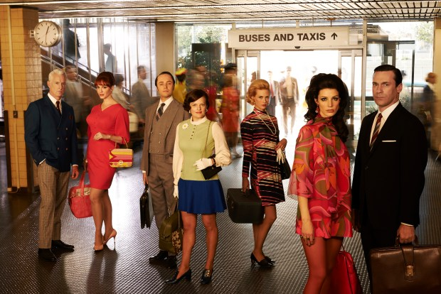 Mad Men_Staircase_Group_0488_V3