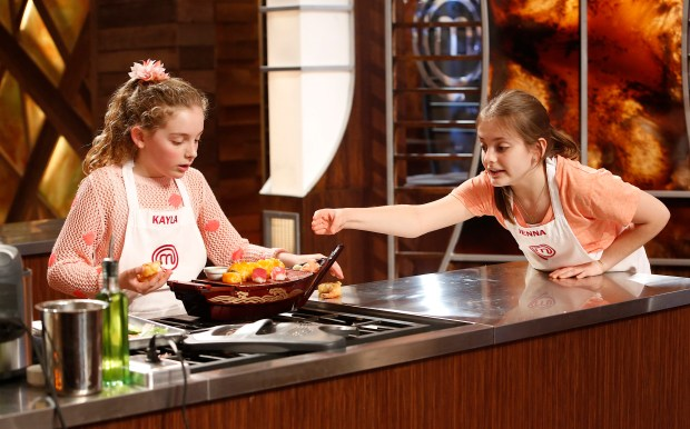 "MASTERCHEF JUNIOR: L-R: Contestants Kayla and Jenna in the ""Raw Talent"" episode of MASTERCHEF JUNIOR airing Tuesday, Jan. 27 (8:00-9:00PM ET/PT) on FOX. CR: Greg Gayne / FOX. © 2014 FOX Broadcasting Co."