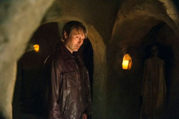 "HANNIBAL -- ""Primavera"" Episode 302 -- Pictured: Mads Mikkelsen as Hannibal Lecter -- (Photo by: Brooke Palmer/NBC)"