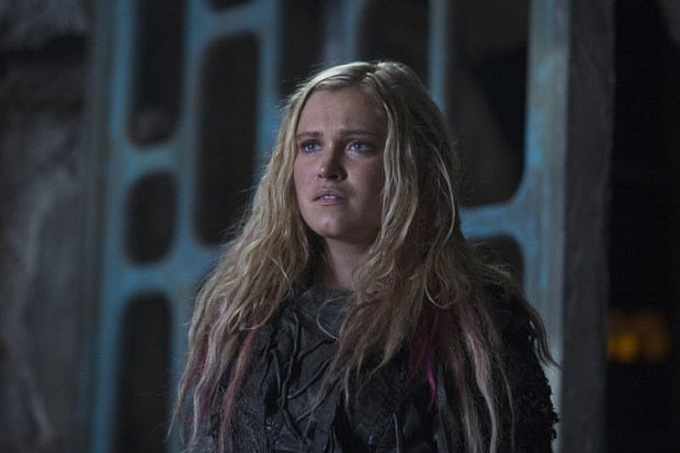 "The 100 -- ""Ye Who Enter Here"" -- Pictured: Eliza Taylor as Clarke -- Credit: -- Cate Cameron/The CW"