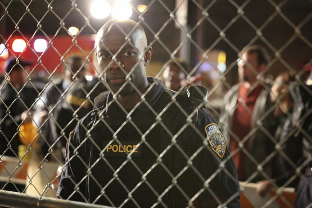 """Containment -- """"Pilot"""" -- Image Number: CON101b_0116.jpg -- Pictured: David Gyasi as Major Lex Carnahan -- Photo: Quantrell Colbert/The CW -- © 2016 The CW Network, LLC. All rights reserved."""
