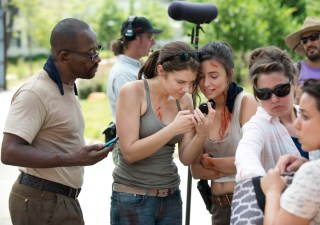 the-walking-dead-episode-605-bts-morgan-james-maggie-cohan-935