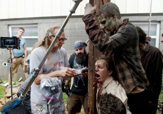 the-walking-dead-episode-607-bts-greg-nicotero-935