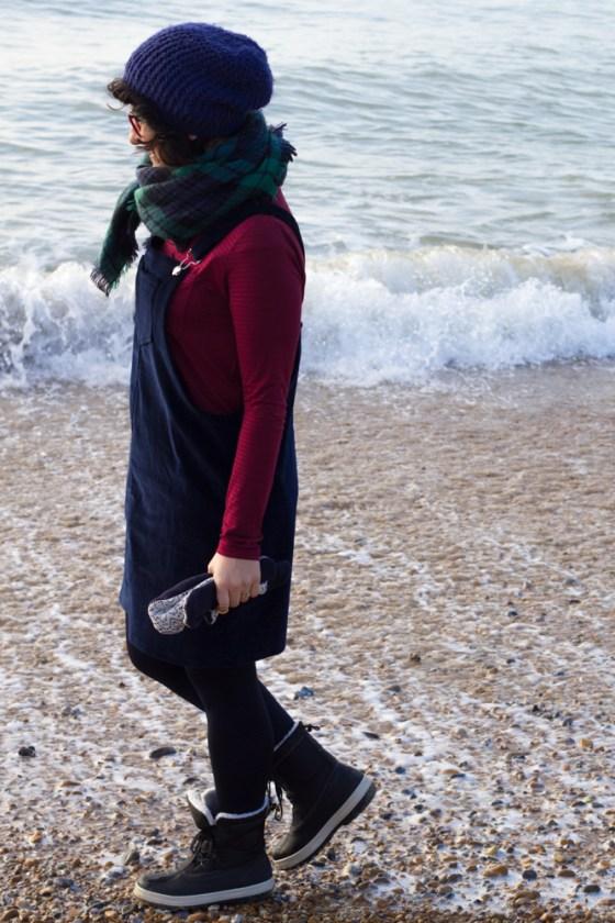 Latzkleid Cleo von Tilly & the Buttons - Tweed & Greet
