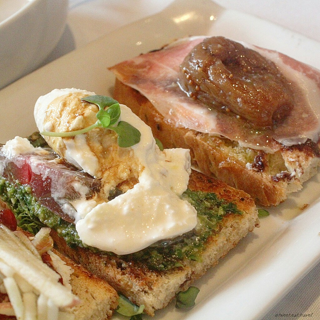 Fig and Olive is an upscale restaurant located on Melrose Ave. Their weekend brunch is the perfect mixture of breakfast favorites and new food inspirations.
