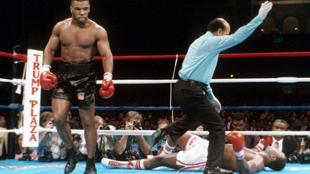 Mike Tyson v Larry Holmes