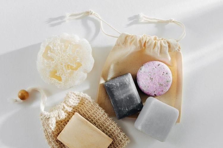 photo de shampoing solide pour sac à dos de nomade