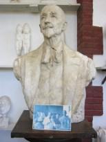 Henry sculpture