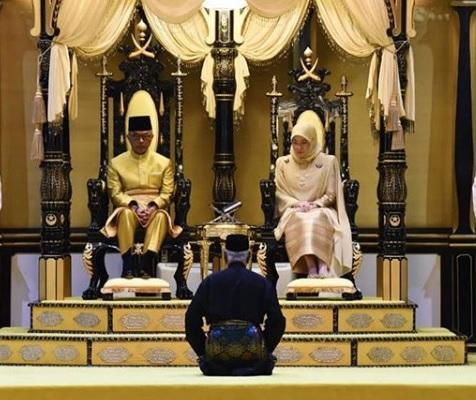 Sultan Abdullah and Tunku Azizah