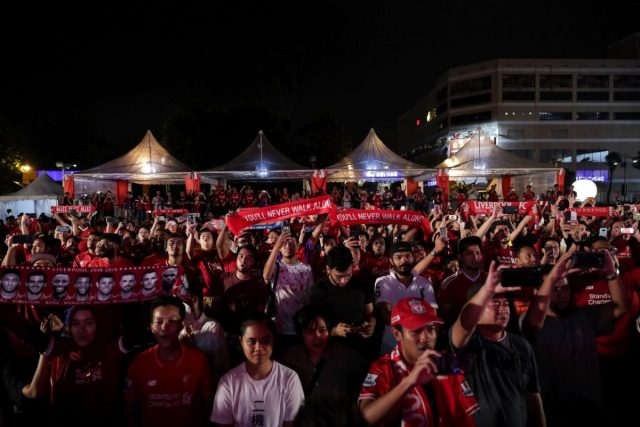 Liverpool fans at 1Utama