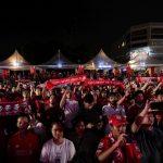 Liverpool fans at 1Utama