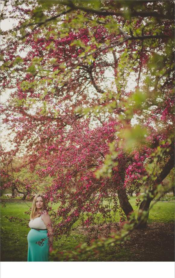 trees, maternity sessions, baby bumps, madison area photography sessions