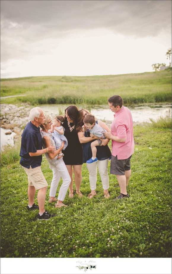 group photos, bodies of water, tall prairie grasses, happy families, siblings, parents, grandparents, generations, Twig and Olive photography