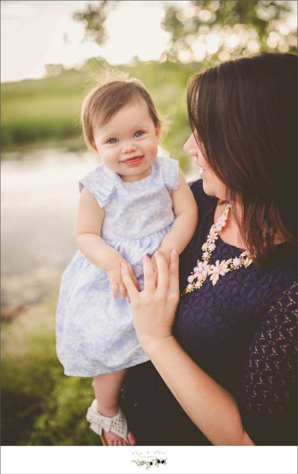 mothers and daughters, family sessions, children and families, children, families, little kids, angels, happy babies, toddlers, Twig and Olive photography