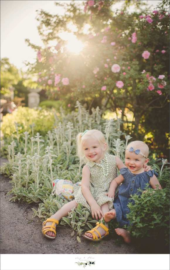 madison children and families, oblrich gardens, arboretum, flowers, outdoor sessions, necklaces, cute kids, happy families, sisters, siblings, Dane county area family sessions, children, parents, families, Twig and Olive family sessions
