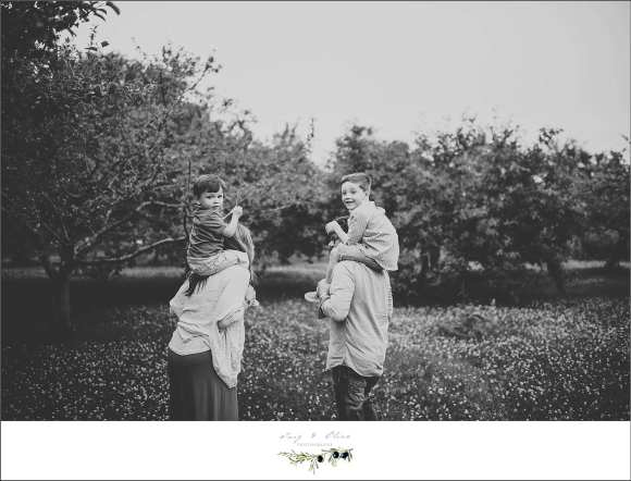 black and white iconic images, moms and dads, brothers, Sun Prairie family sessions