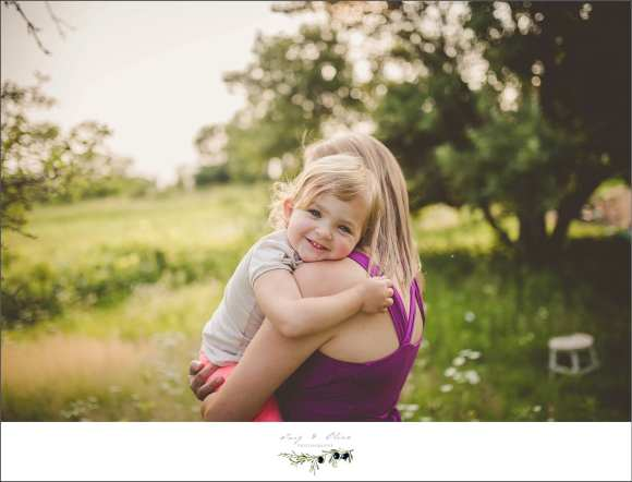 hugs, purple dress, moms and daughters, maternity session, family session
