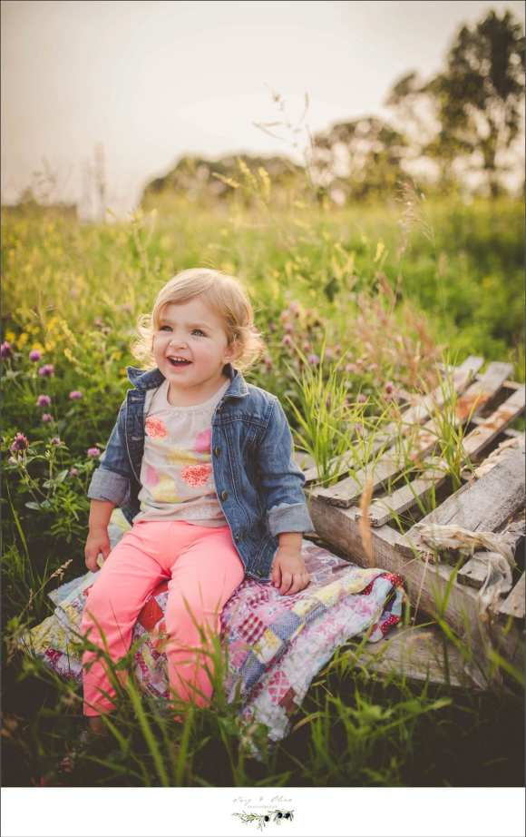outdoor sessions, family sessions, jean jacket, golden brown hair, maternity sessions