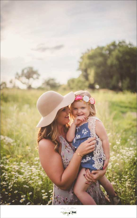 moms and daughters, prairie grass, outdoor sessions