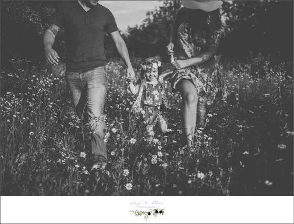 families, black and white classical images, flowers, outdoor sessions