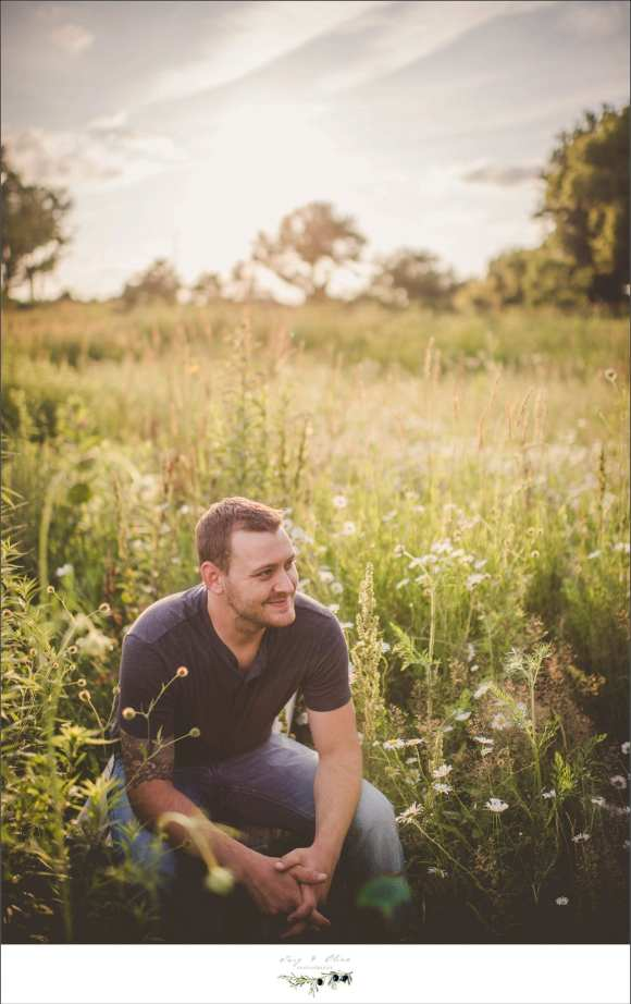 prairie grass, outdoors, blue jeans, blue shirt, family sessions