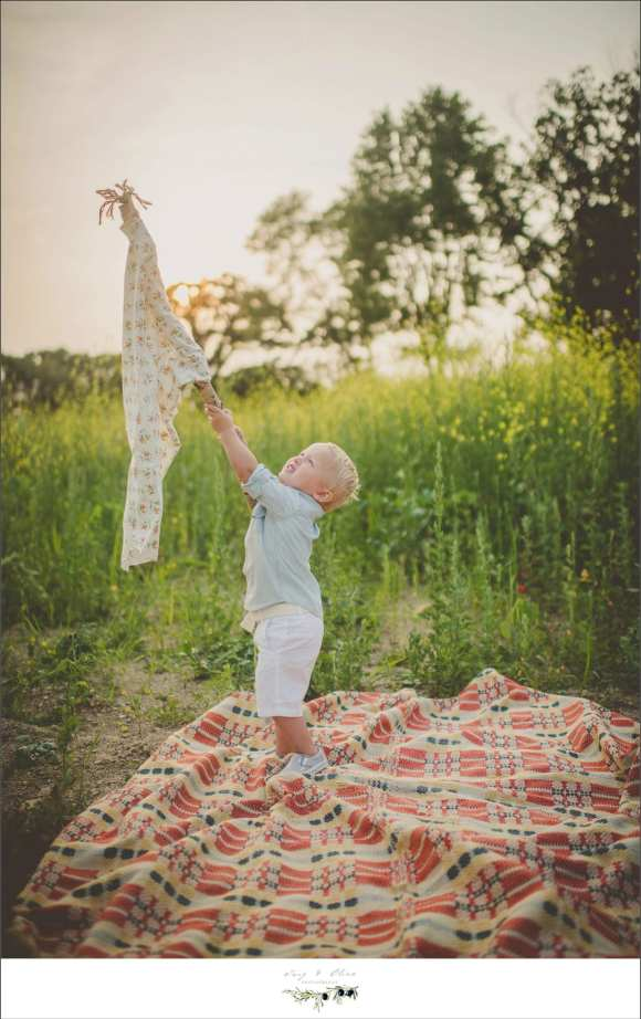playtime, blankets, toddlers, flags, prairie grass, happy toddlers
