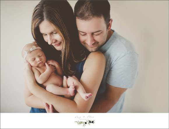 proud parents, newborn sessions, happy parents, hair flower, TOP