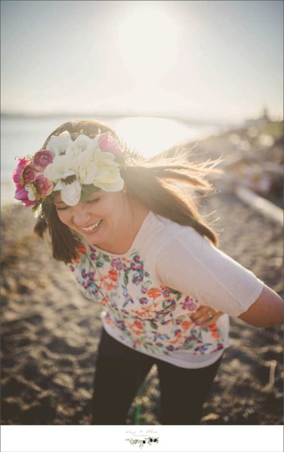 hair flower, smiles, laughing, beach sessions, twig and olive family sessions