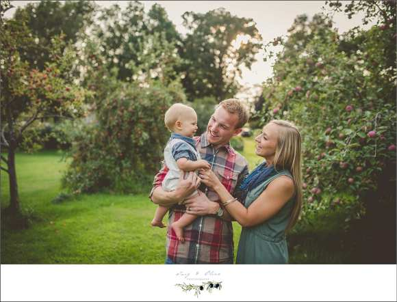 apple orchard, family session
