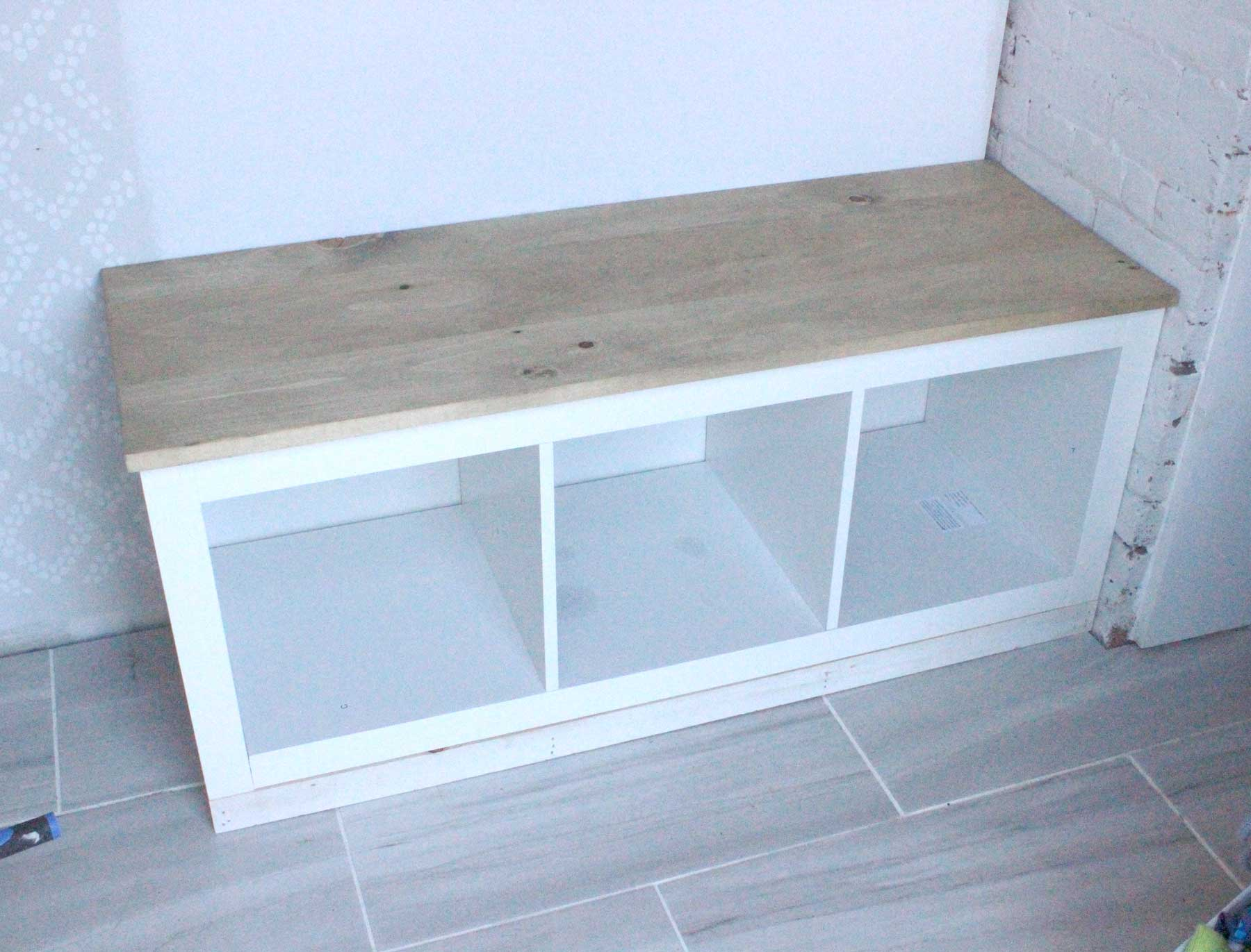diy-mudroom-project-custom-bench-1