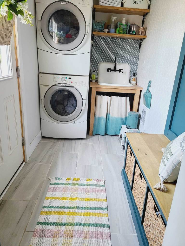mudroom to laundry room