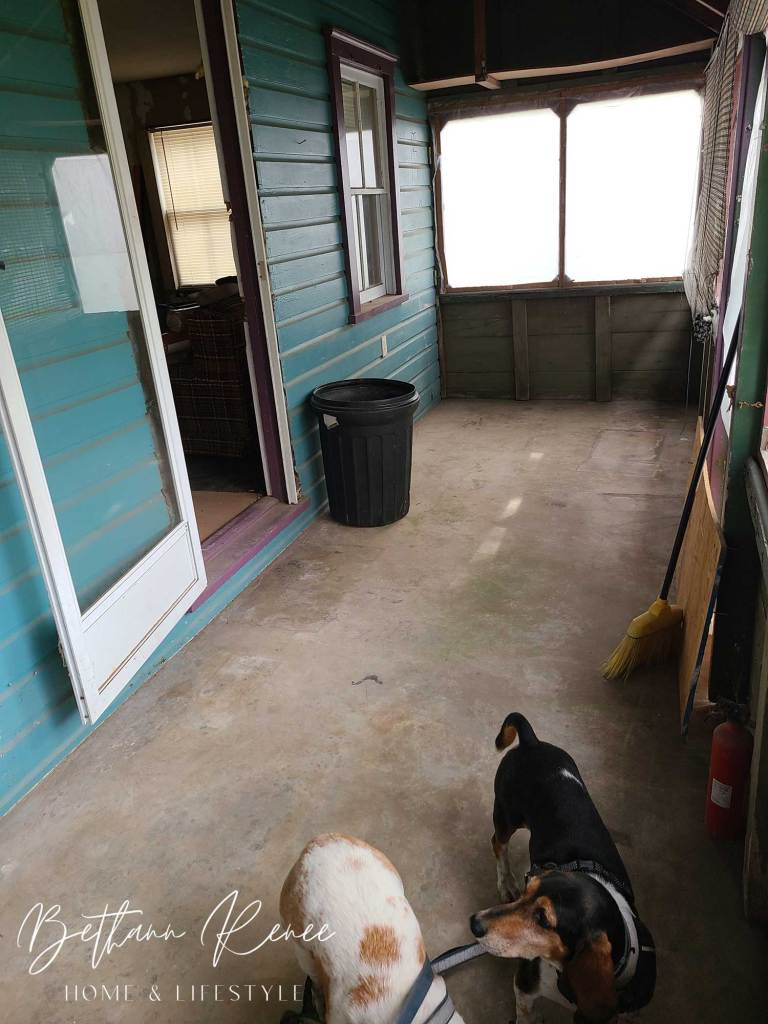 beach cottage front porch before