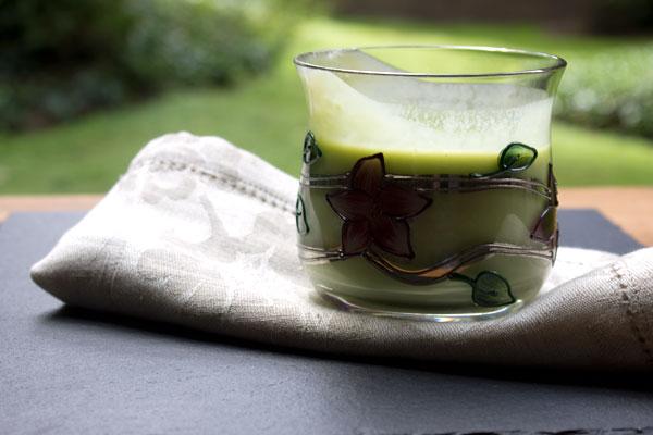 avocado-almond-smoothie