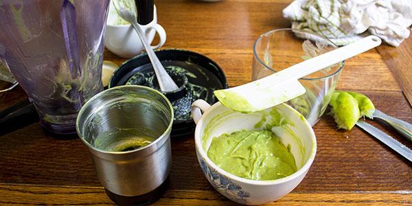 sweet-vegan-avocado-cream