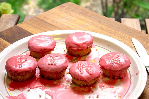 pink cakes sorta
