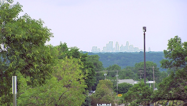 minneapolis-skyline-from-burnsville-farmers-market