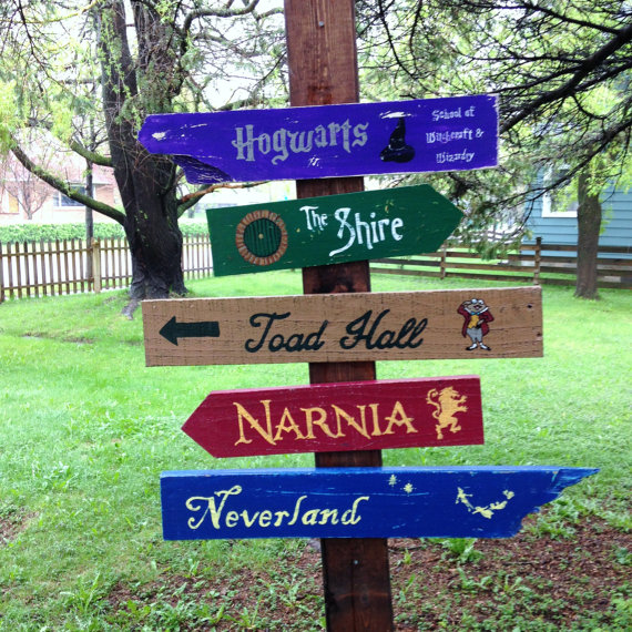 Custom Directional Signs / CurioObscurio