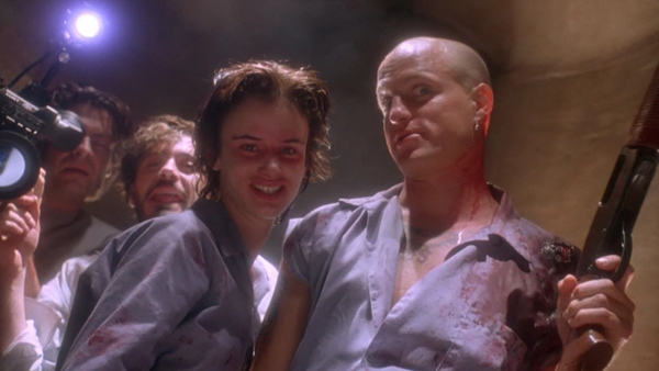 Juliette Lewis, Woody Harrelson, and media circus in Natural Born Killers.