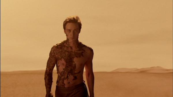 Leto II walks into the dunes.