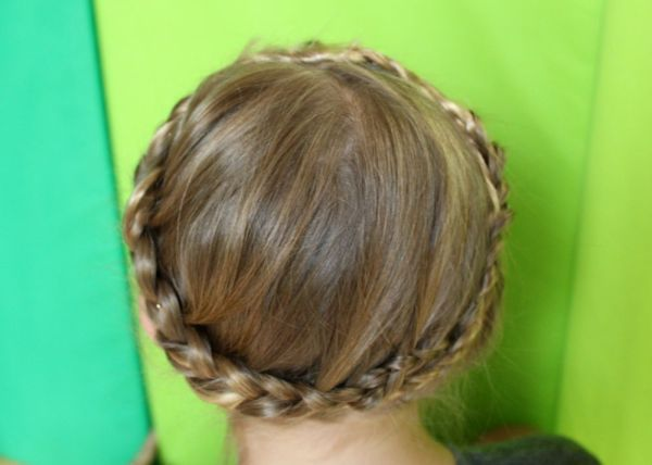 A Girl's hair braided like Princess Leia's in Star Wars The Empire Strikes Back