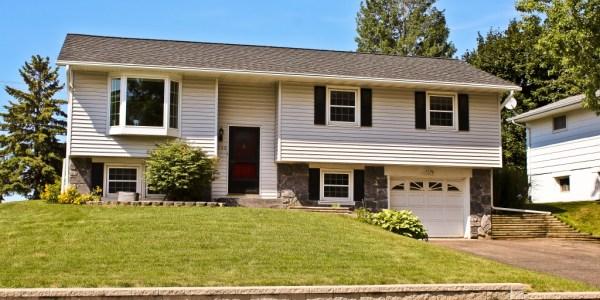 5-Bedroom, Split-Entry Home for Sale in Oakdale, MN