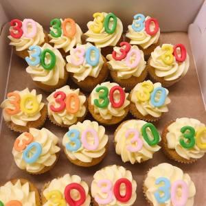 mini cupcakes verjaardag feest verrassing cupcake versiering bestellen online webshop